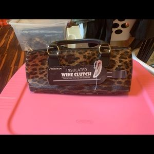🔥30% off 2 or more 🔥Cougar wine clutch